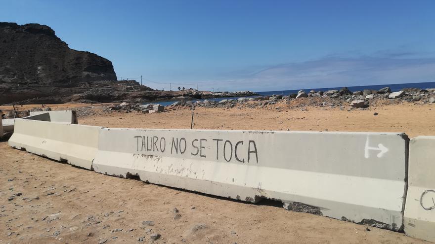Costas valora en una semana si la playa de Tauro se puede reabrir a los bañistas