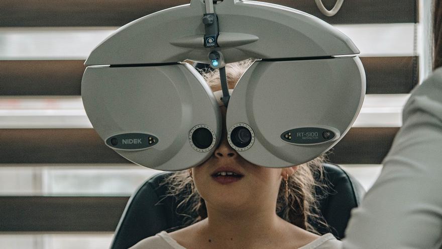 Deu símptomes per detectar problemes de visió en nens abans de la tornada a l'escola