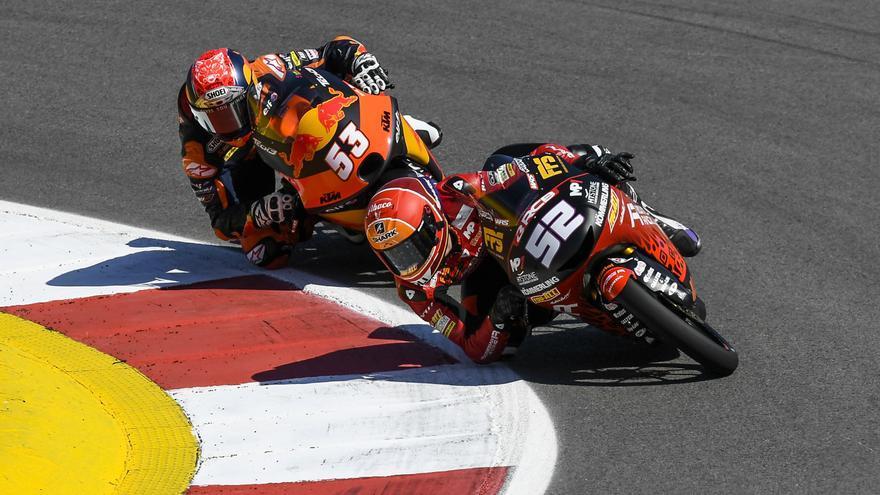 Alcoba partirá en primera fila en Moto3 y el líder Acosta saldrá decimotercero