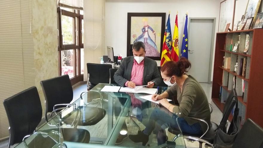 Primer convenio entre el Ayuntamiento de Aspe y la Asociación Iguales Salud Mental