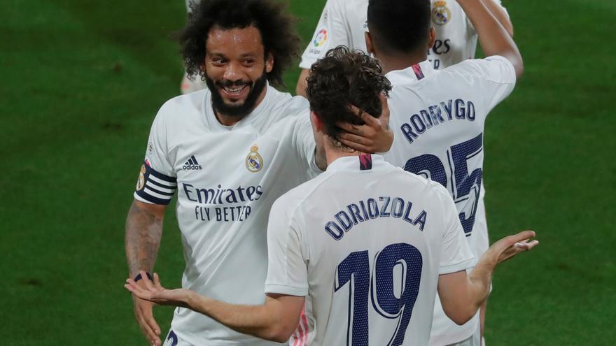 Marcelo se libra de la mesa electoral y viaja a Londres con el resto de la expedición del Real Madrid