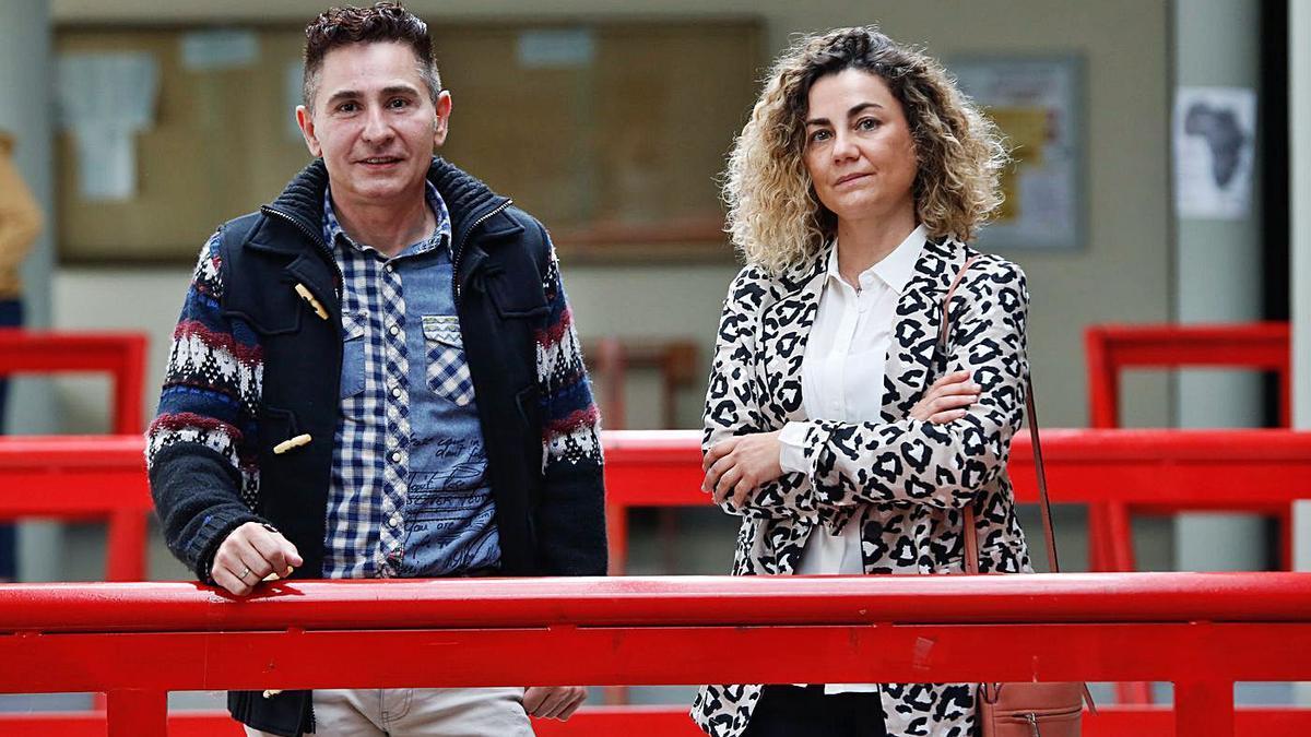 Valentina Jurado (derecha) y David Sánchez esperan que el título se convierta en máster si tiene buena aceptación.