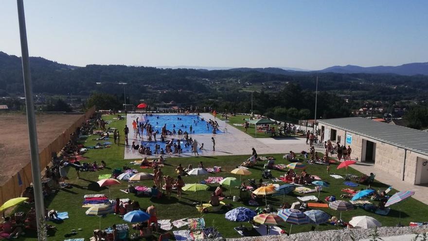 Archivada la denuncia contra el alcalde de Barro por las obras de la piscina municipal