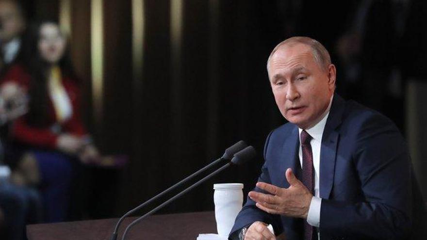 Putin afirma que Rusia debe competir bajo los colores de su bandera