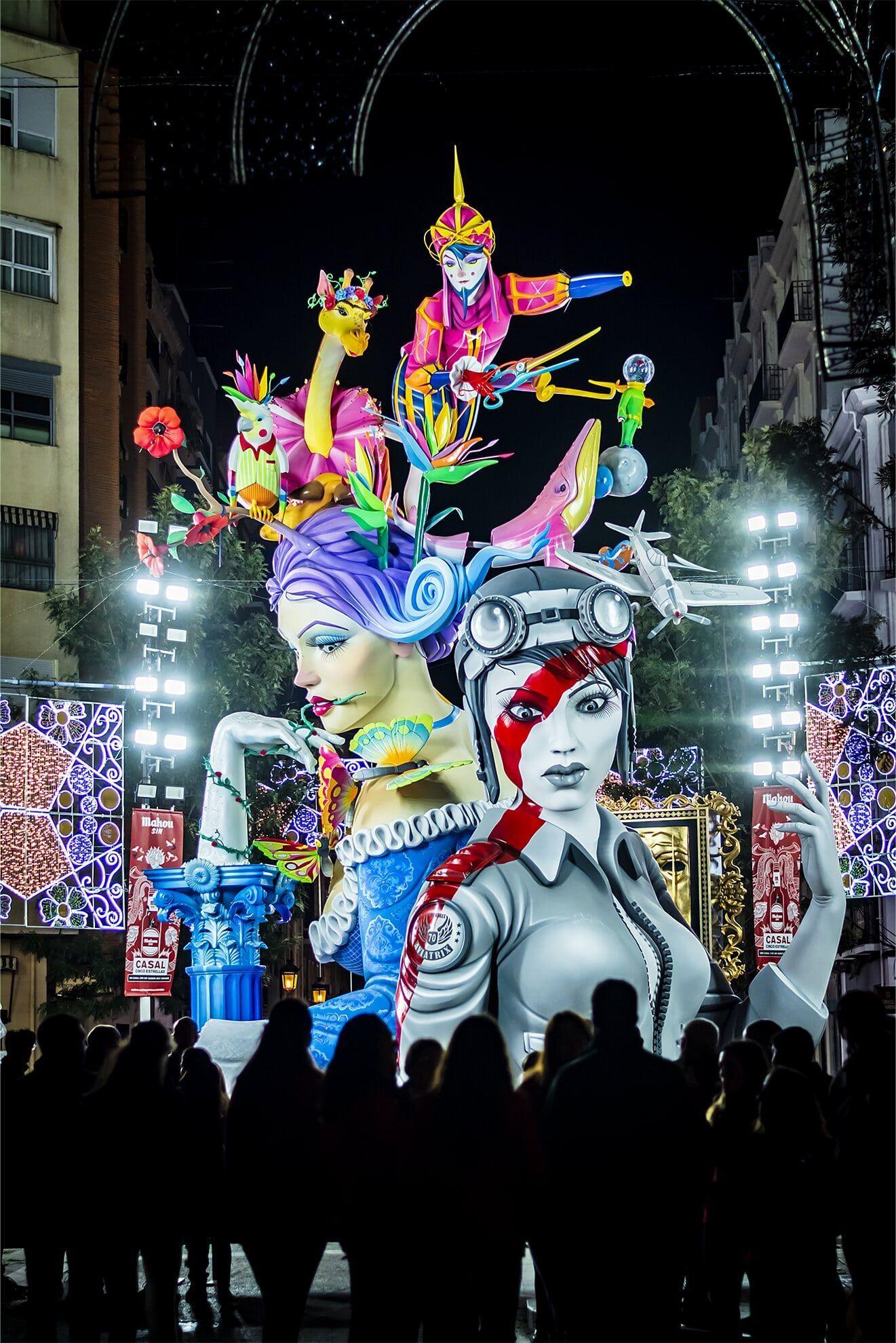 """3º Accesit Color. """"Fallers al carrer. Els últims moments""""  Autor: Paula Vinaixa Bonillo"""