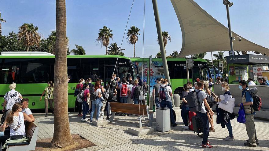 Titsa reactiva la línea aeroexpress 40 tras crecer la demanda en Tenerife Sur
