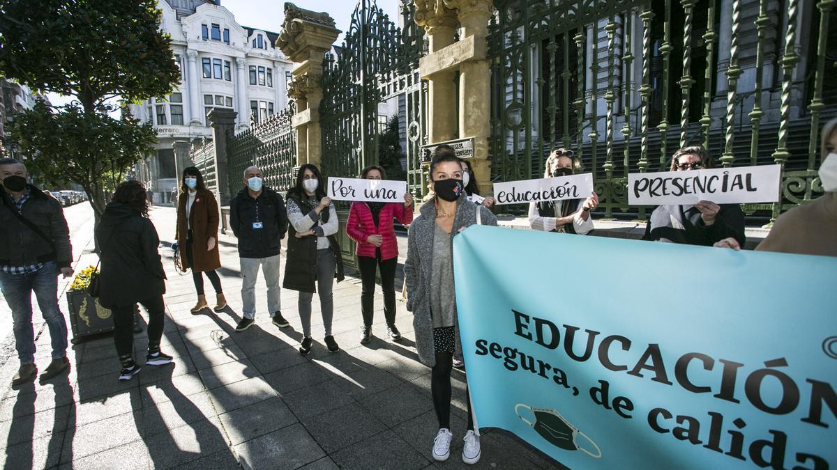 Concentración en Oviedo.