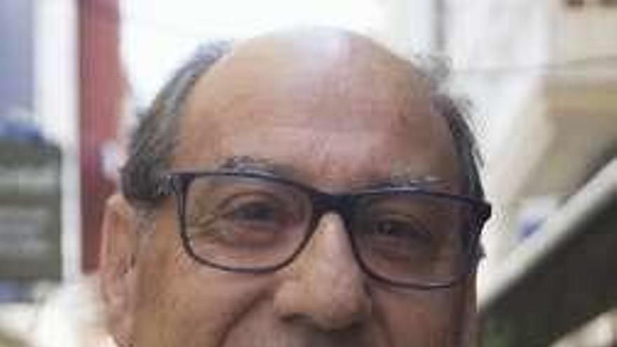 Manuel Monge, primer presidente de la Comisión en Defensa do Común tras su legalización