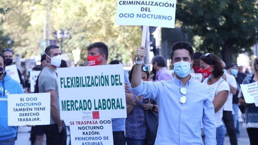 La hostelería sale a la calle en Madrid para pedir medidas de rescate ante la pandemia