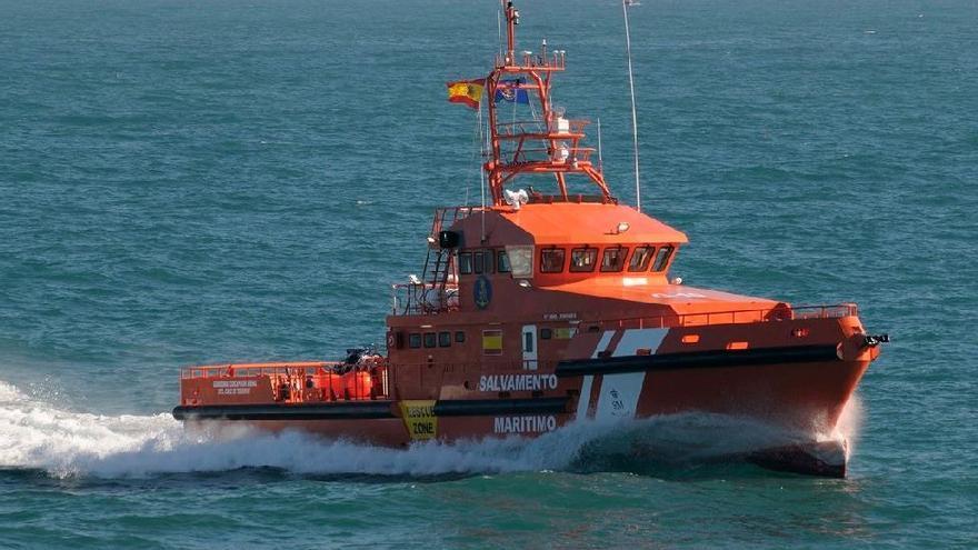 Un desaparecido tras caer al mar un helicóptero que despegó en Estepona