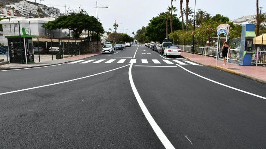 Mogán mejora la imagen de la calle Tomás Roca Bosch de Puerto Rico