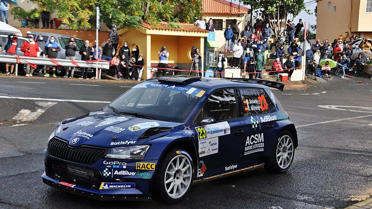 Nils Solans with the Skoda Fabia R5 at the Rally Islas Canarias 2020. |  |  MOTORACTUALIDAD.ES