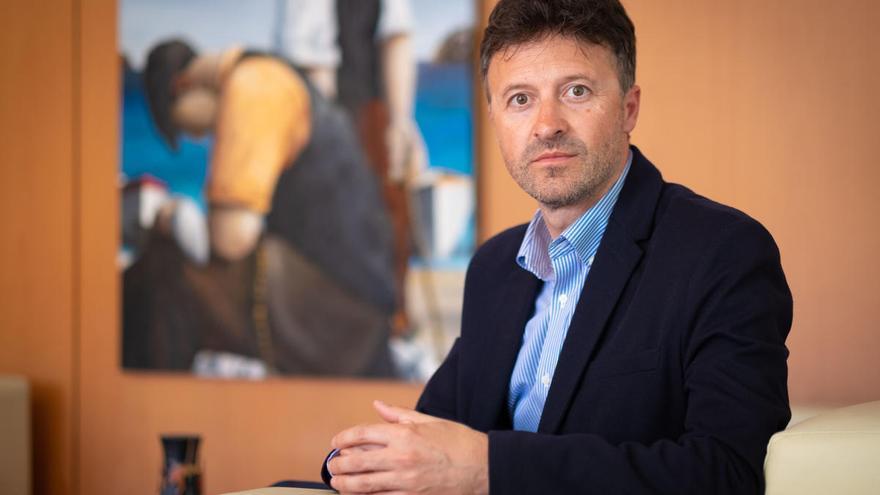 L'alcalde de l'Escala Víctor Puga respon les preguntes dels lectors, aquest divendres