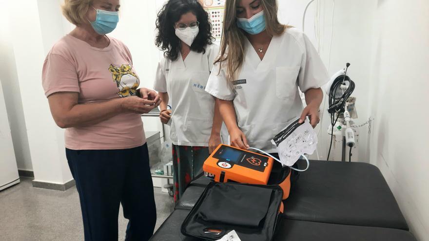 Más profesionales y material sanitario para el consultorio de Urbanova