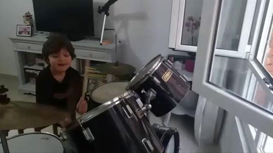 La batería de Enzo llena de aplausos el Quirinal