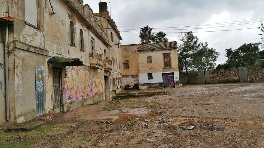 Ruina y ocupas en el Molí dels Frares de Campanar