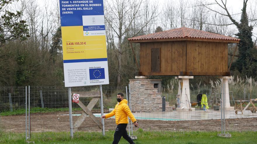 Un hórreo de nueva construcción, la elección del Principado para embellecer el saneamiento de La Corredoria