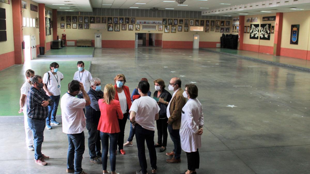 Visita a las instalaciones de la Llar Fallera de Burriana