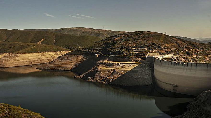 La Xunta alerta de la posible sequía por el bajo nivel de los embalses y pone el ojo en las hidroeléctricas