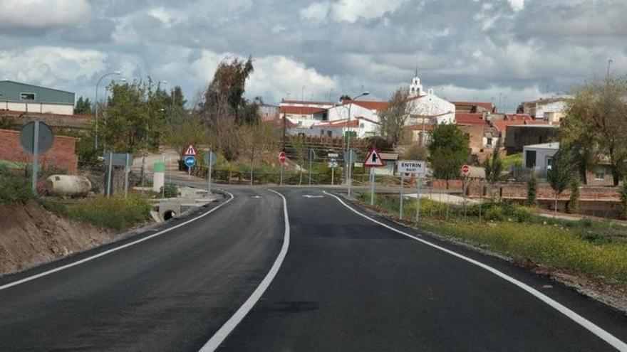 Corte de la carretera BA-055 por obras