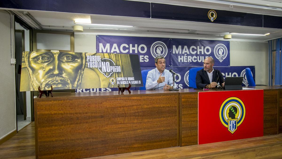 Carmelo del Pozo y Luis Motes, ayer en la presentación de los abonos.