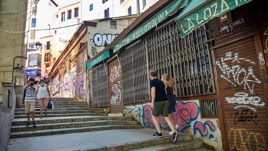 La rehabilitación de las casetas de la Costa del Teatre acumula tres años de retraso