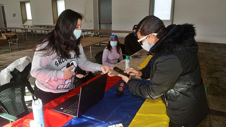 Venezolanos, doblemente castigados