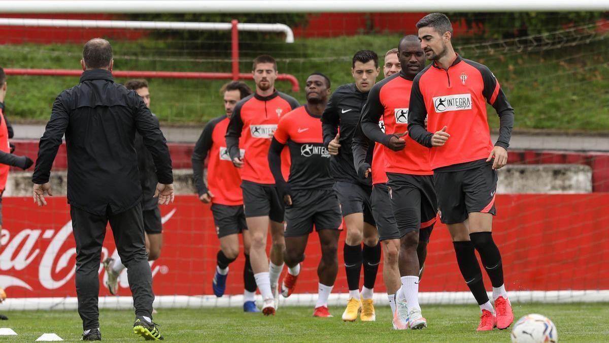 Los jugadores del Sporting, en un entrenamiento.