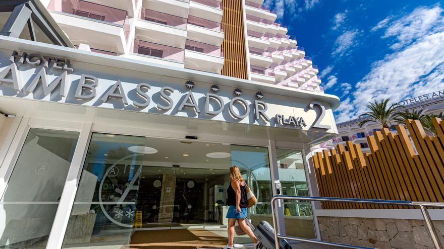 La ocupación hotelera se estabiliza por encima del 70% en la Costa Blanca