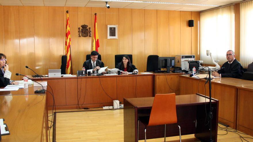 El TSJC anul·la la sentència contra la dona que va calar foc a un pis de Reus amb l'exparella a dins