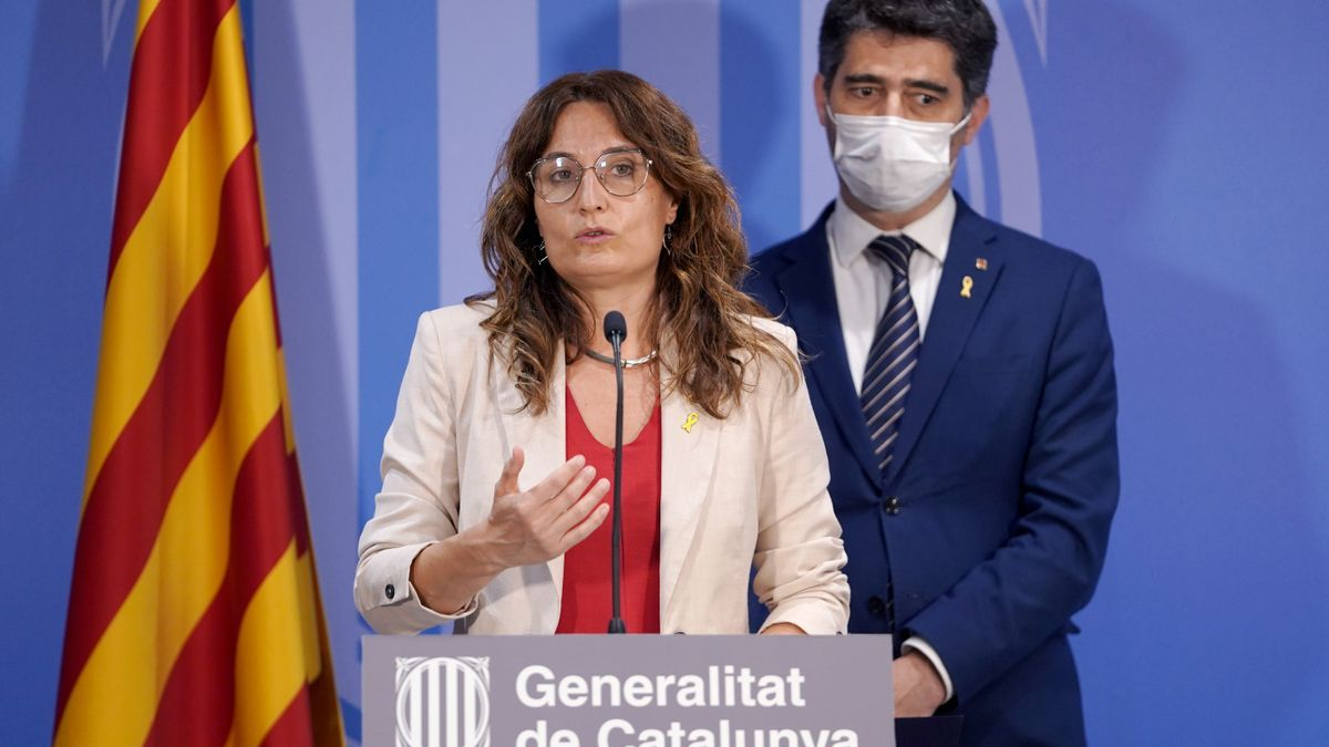 La consejera catalana de la Presidencia, Laura Vilagrà, durante su comparecencia posterior a la Comisión.