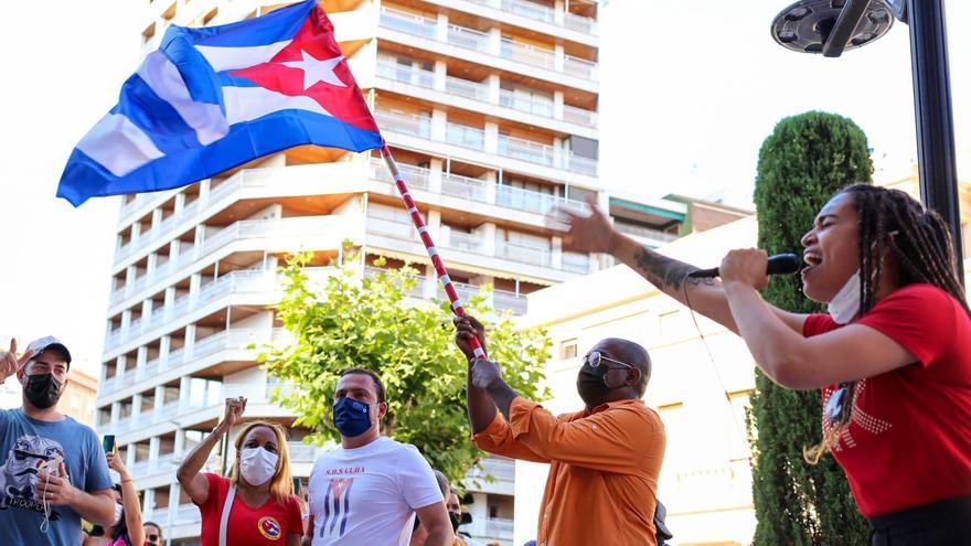 Los cubanos de Castellón alzan la voz por la libertad de sus familias