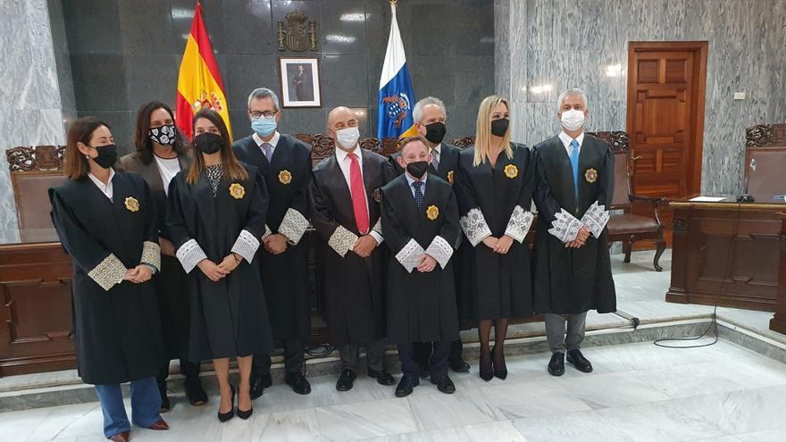 Juramento como magistrados de dos juezas y un juez en Canarias