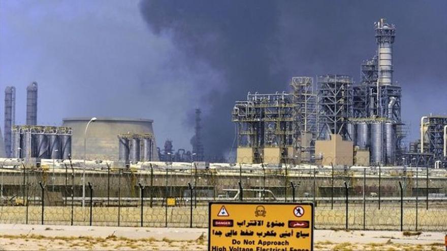 La escalada del petróleo tropieza con las dudas sobre la recuperación