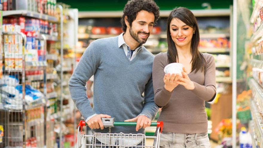 Apps que leen códigos de barras para elegir una cesta de la compra más saludable