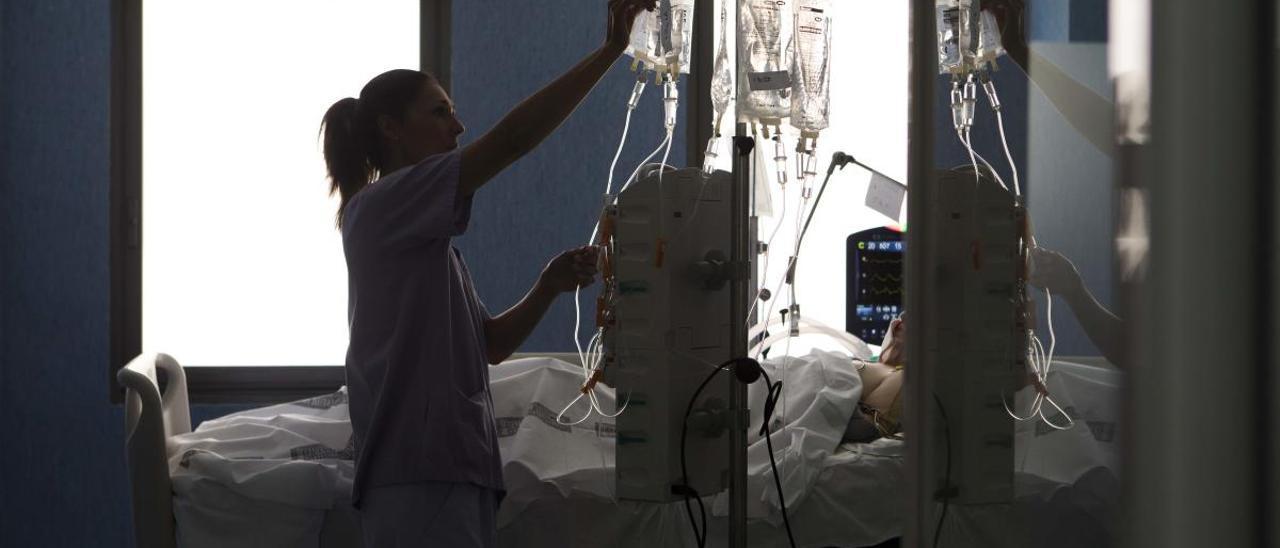 Imagen de archivo de la Unidad de Cuidados Intensivos del Hospital de Sant Joan de Alicante