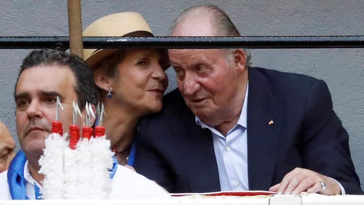 El rey Juan Carlos I y la infanta Elena, en una imagen de archivo