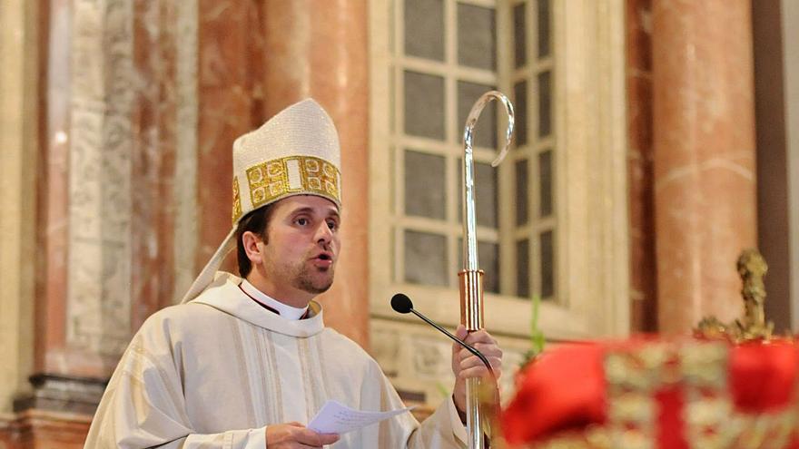 El bisbe de Solsona va donar el sagrament de confirmació a la seva suposada parella dos mesos abans de plegar