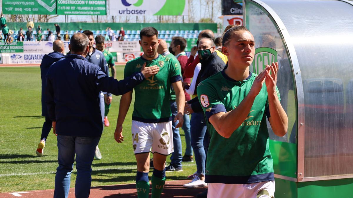 Diego Parras, habitual en la banda derecha del Villanovense.