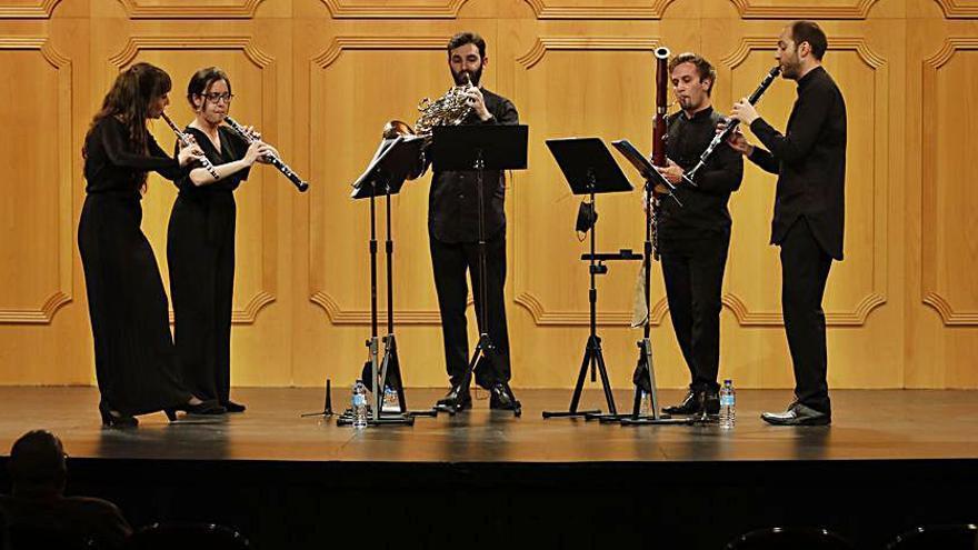 """""""Confluentes Ensemble"""" deleita a los socios de la Filarmónica"""