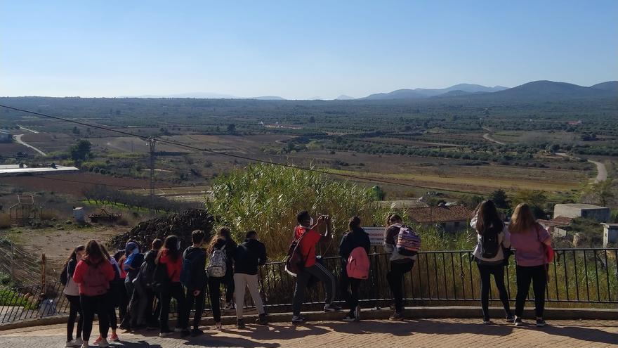 La juventud de Catarroja descubre nuevos espacios de la Comunitat gracias a Tardor Jove
