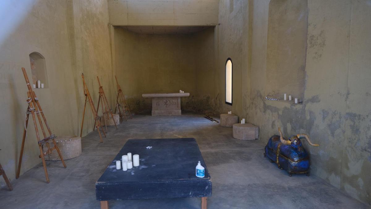 L'interior de la capella permet fer-hi exposicions.