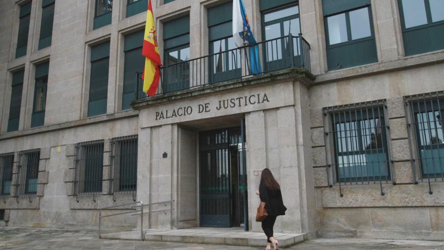 Condenado a seis años de cárcel un hombre de O Carballiño que violó a su empleada doméstica