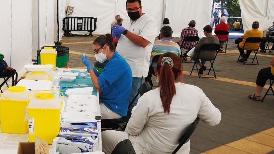 Cinco muertos y 214 nuevos casos de coronavirus en Canarias
