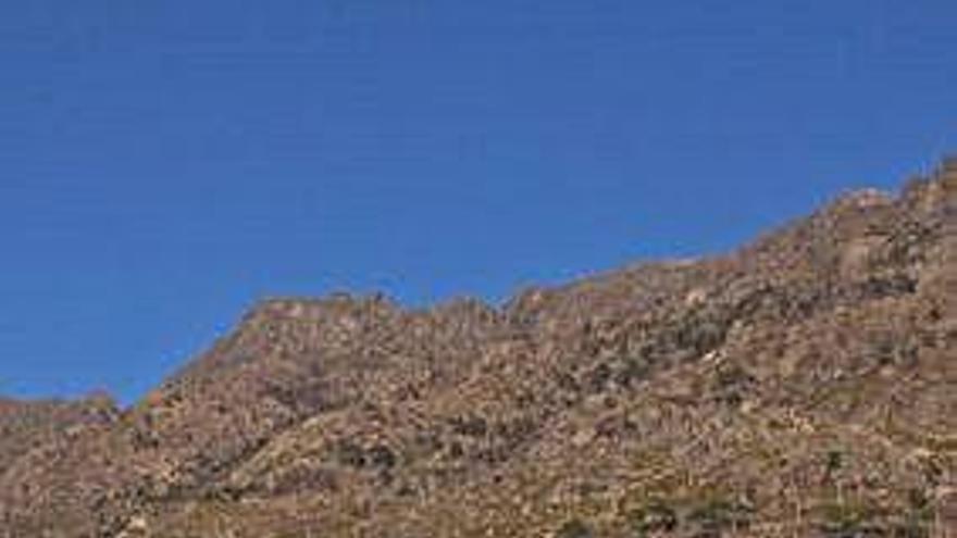 'Ribeiras de salitre' irá hoxe ás rochas cos homes e as mulleres do mar de Pindo
