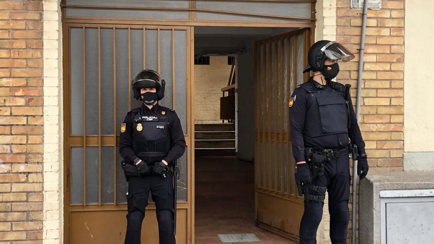 Nueve detenidos y una carga policial en una operación antidroga en El Palmar