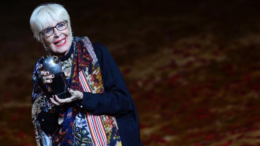 Concha Velasco recibe el premio Max de Honor por una vida dedicada al teatro