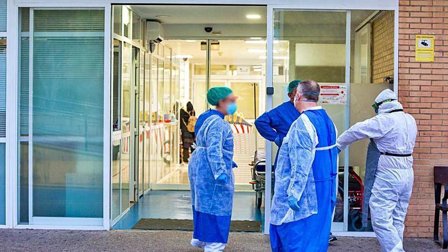 La escasez de camas en La Vila obliga a desviar pacientes a la privada