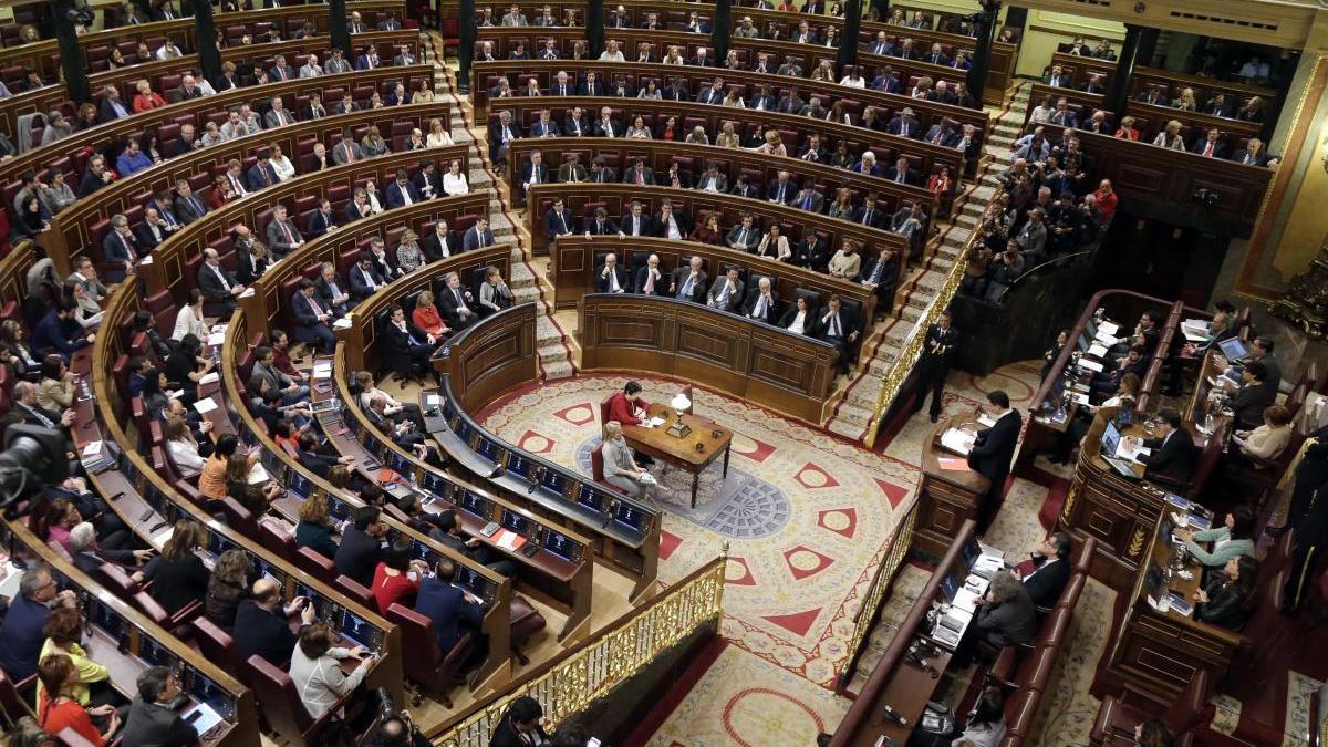 El PSOE es manté com a primera força a gairebé la mateixa distància del PP, segons el CIS