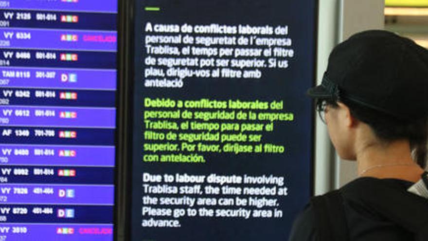Normalitat al Prat a la primera jornada de vaga dels treballadors de terra d'Iberia